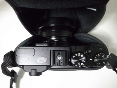 FUJIFILM X10 に HAKUBA ピクスギア Micro-A 装着